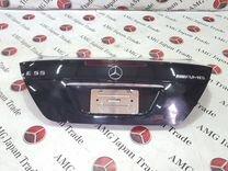 Крышка багажника на Mercedes-Benz W211 E