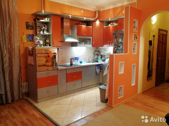 Продается трехкомнатная квартира за 2 800 000 рублей. Московская обл, г Серпухов, ул Красный Текстильщик, д 2.