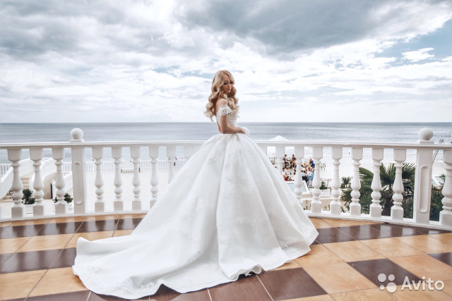 e7100005e77 Свадебное платье кекс