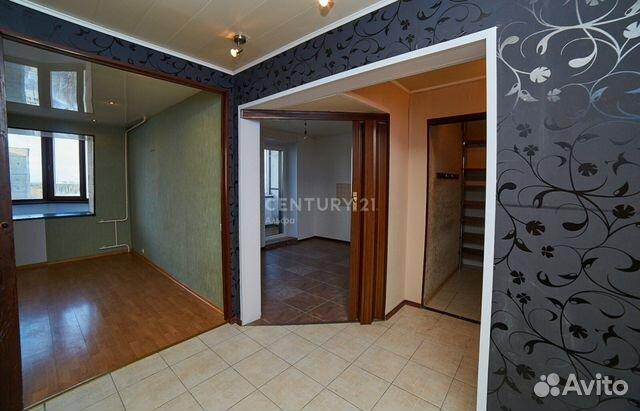 Продается трехкомнатная квартира за 4 100 000 рублей. Древлянка улица, 14 к1.