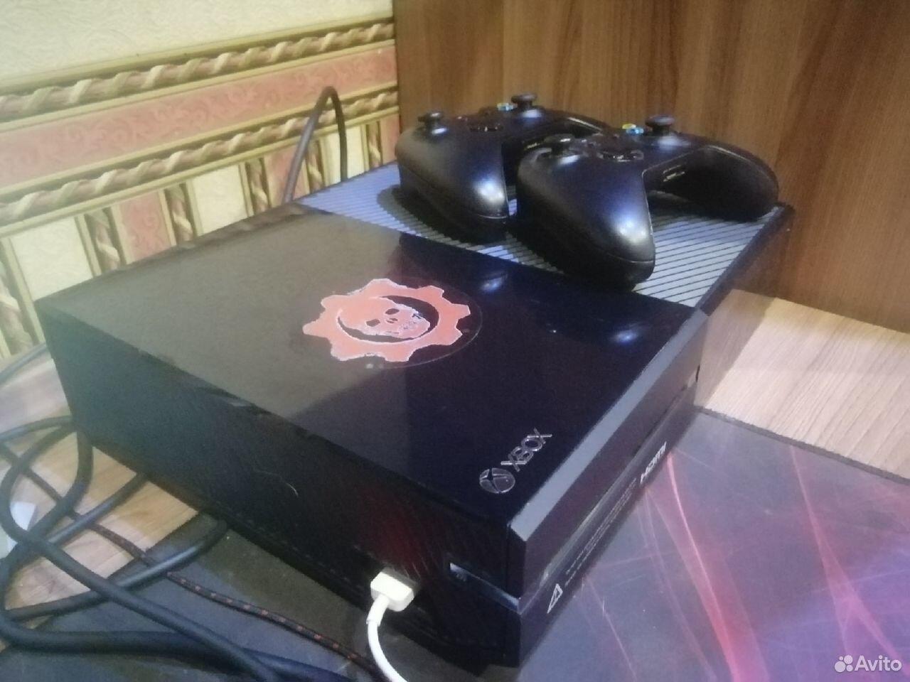 Продам xbox ONE + 7 игр  89621565384 купить 2