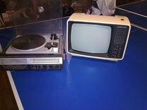 Ретро телевизор юность и радиола серенада